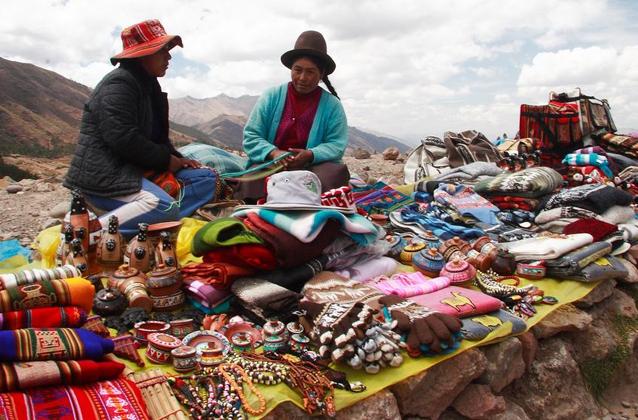 cusco-city-tour-artesans
